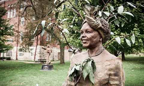The statue of Wangari Maathai on the campus of Benedictine College.